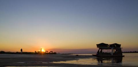 Houseboat sunset / Caprivi